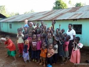 Zum Abschied auch ein Abschieds- und Gruppenfoto ... hier im Kinderheim in Kihara