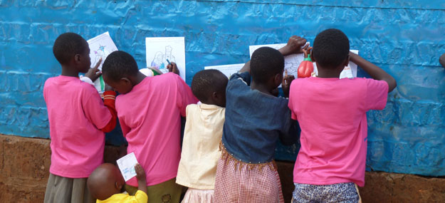 Hope Home - Kinder beim Malen
