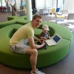 Ich mit meinem Neffen im Hotel