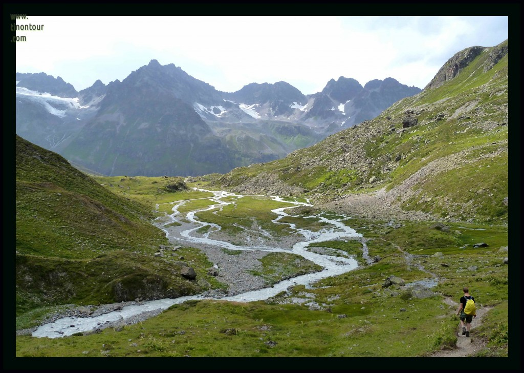Wasser aus den Bergen in Richtung Jamtal