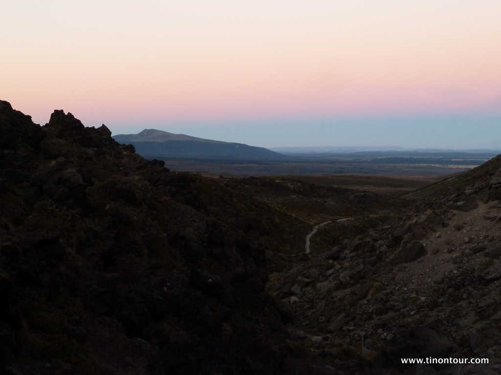 Aufstieg zum Mt. Tongariro in den frühen Morgenstunden