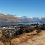Lake Wanka und der Ort Wanaka von oben