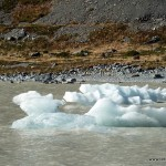 Eisbrocken im Gletschersee am Mt. Cook