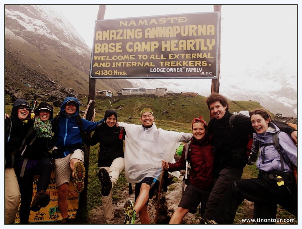 Trotz Dauerregen und Kälte gute Stimmung beim Annapurna Base Camp (Himalaya, Nepal)