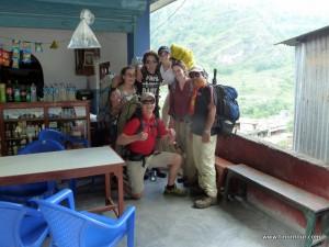 Gruppenbild bevor es los ging; von links nach rechts: Regina (Deutschland), Uriel (Argentinien), Diana (USA), Emily (USA), Aman (Nepal; unser Guide) und vorne ich