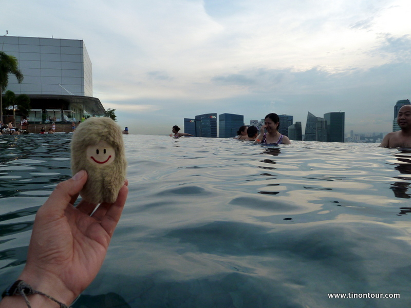 ein tag luxus im marina bay sands singapur infinity pool skydeck. Black Bedroom Furniture Sets. Home Design Ideas
