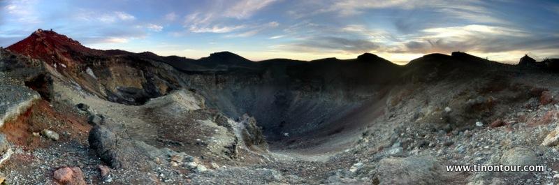 Von jeder Seite etwas anders - aufgrund der unterschiedlichen Gesteinsschichten und Sonneneinstrahlung hat an immer einen anderen Blick in den Grater