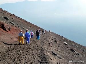 Und irgendwann hieß es dann auch wieder den Grater zu verlassen - immerhin wollte ich noch möglichst ohne Wolken den Mt. Fuji von unten bewundern.