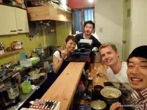 Sehr freundliche und reiseerfahrene Besitzer vom Mahoroba in Naha (Okinawa; Japan): Yoshio und seine Frau Akari