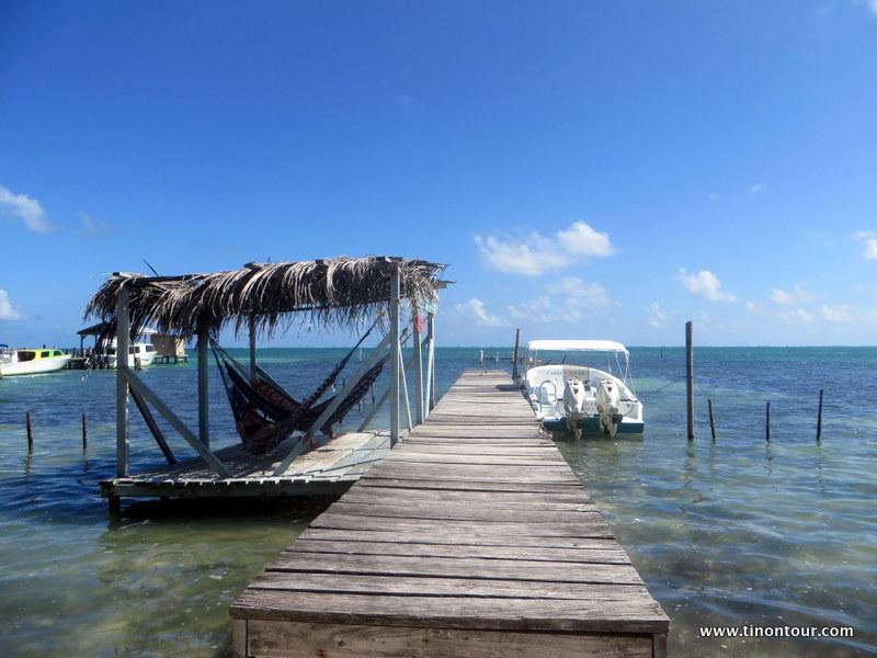 Ob im Wasser, am Wasser oder über dem Wasser - entspannen kann man auf Caye Caulker fast überall.