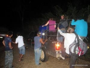 Pickup defekt - mitten im Dschungel rauf auf den Nächsten.