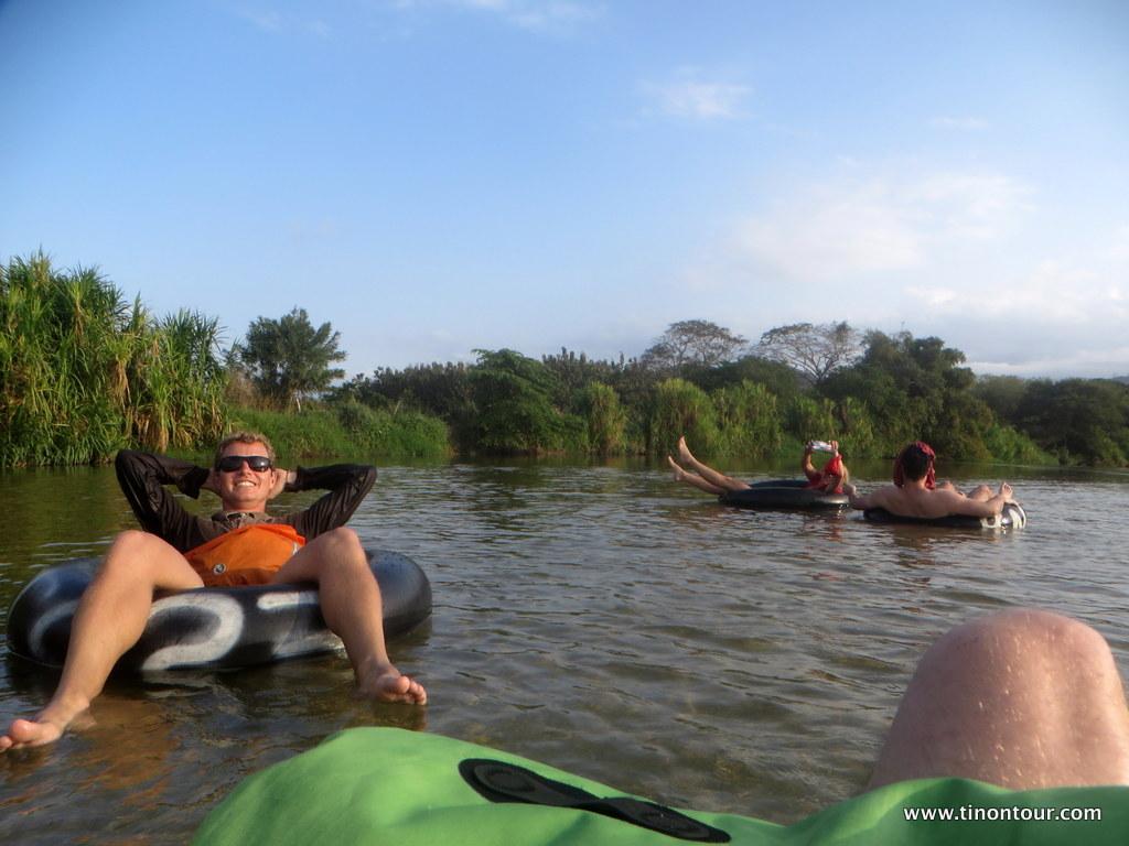 Tubing auf dem Palomino-River ist verdammt entspannend ... Sonnenschutz aber nicht vergessen!