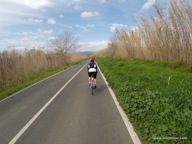 Streckenweise war die Landschaft wirklich sehr schön - da quält man sich auch gerne mal auf dem Rad. Zudem ging es gerade hier auch nur geradeaus *fg*